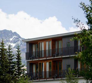 Seitenansicht Sommer Hotel Laudinella