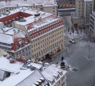 Blick von der Frauenkirche auf das Steigenberger Steigenberger Hotel de Saxe