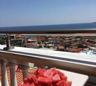 Ansicht aus Zimmer mit Meerblick Hotel Maistrali