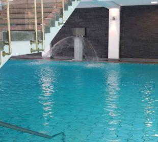 Innenschwimmbecken Quellness Golf Resort - Das Ludwig
