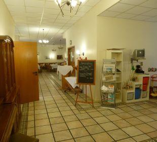 Lobby und Weg zum Restaurant Comfort Hotel Weißensee