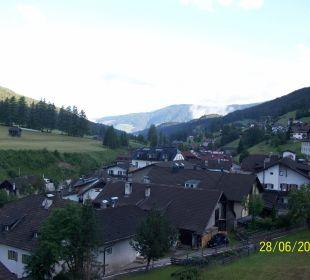 Blick ins Tal und Umgebung vom Hotel Strobl