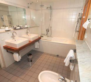 Badezimmer Beispiel Suite Hotel Zugspitze