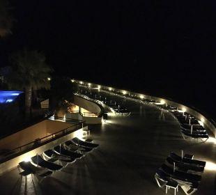 Ausblick von der Dachterrasse auf den Pool IBEROSTAR Hotel Playa Gaviotas