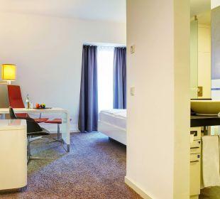 Guestroom  Innside Dresden