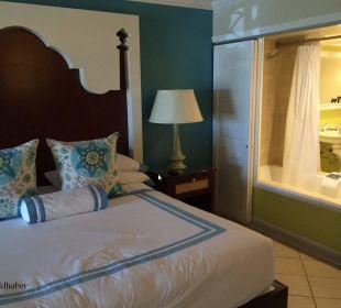 Zimmer mit Blick in das Bad Hotel Ocean Key Resort & Spa