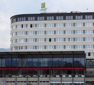Blick von der Drau aus Hotel Holiday Inn Villach