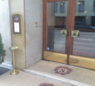 Eingang Hotel Sacher