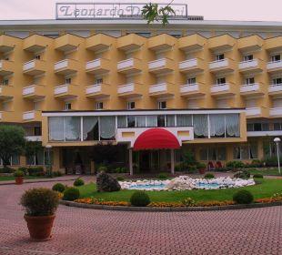 Vorderansicht Hotel Leonardo Da Vinci