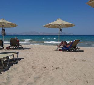 Am Strand vor dem Zimmer Hotel Horizon Beach Resort