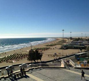 Von der Terrasse aus rechts Hotel Atlantic Beach Club