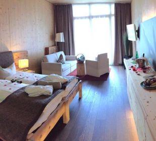 Doppelzimmer Superior romantisch dekoriert  Spa Hotel Zedern Klang