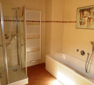 Badewanne -  Suite XL im EG Villa Strandkorb Hotel Garni