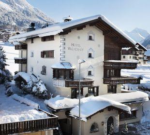 Hotel im Winter Hotel Walserhof