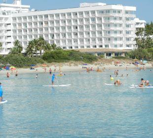 Blick vom äussersten Punkt des Kanals zum Hotel Hotel Playa Esperanza