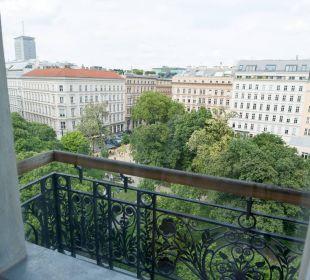 Blick in den Park K+K Palais Hotel