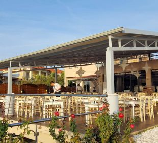 Außenterrasse des Restaurants Hotel Istion Club & Spa