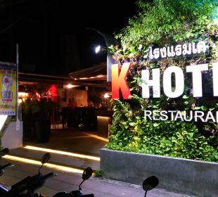K-Hotel Ausenansicht eingang und Nikita Bar K Hotel