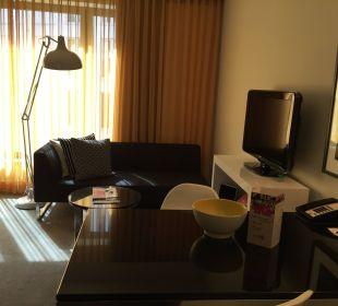 Wohnzimmer  Adina Apartment Hotel Berlin Hackescher Markt