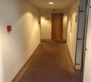 Gang zu den Zimmern K+K Hotel Fenix