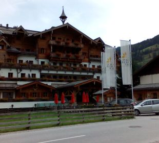 Das Hotel vorne Hotel Großarler Hof