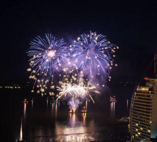 Feuerwerk Atlantic Hotel Sail City