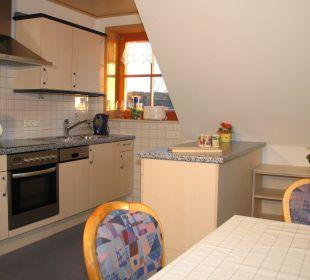 Küche mit Essecke in der Fewo Reh Ferienbauernhof Oberjosenhof