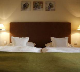 Doppelzimmer Bett Weinkastell Zum Weissen Ross
