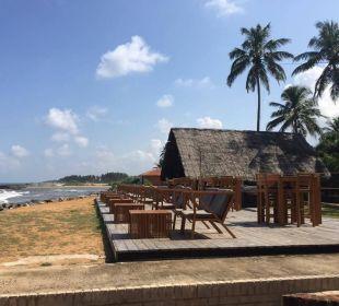 Terrasse für Sonnenuntergang Hotel Ranweli Holiday Village