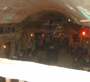 Blick von der Lobby nach unten in die Bar  Rimel Beach Resort  (existiert nicht mehr)