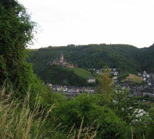 Uitzicht vanaf iets verder gelegen wandelweg Moselromantik Hotel Thul