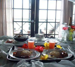 Honeymoon Frühstück Cocos Hotel
