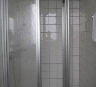 Zimmer / Bad CVJM Hotel & Tagung