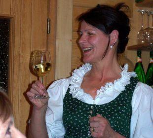 Chefin beim Hüttenabend Landhaus Karoline Landhaus Karoline Wohlfühl-Ferienwohnungen