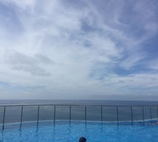 Blick vom Pool Gloria Palace Amadores Thalasso & Hotel