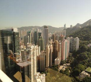 Вид из номера Conrad Hong Kong