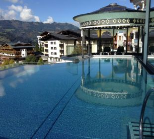 Der Roof Pool Alpina Family, Spa & Sporthotel