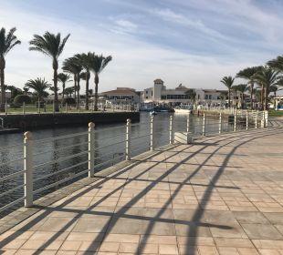 Kanal Dana Beach Resort