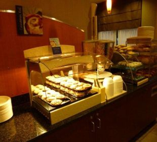 Muffins Hotel Holiday Inn Express Toronto Downtown