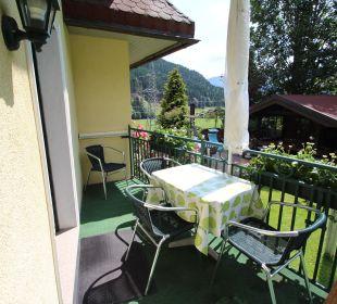 """Sonniger Balkon Ferienwohnung """"Erker"""" Apartment Familie Engl"""
