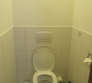 WC Hotel Orange Wings Wiener Neustadt