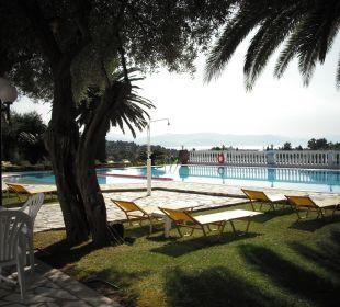 Pool mit fabelhaftem Ausblick Hotel Paradise Corfu