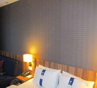 Das Bett Holiday Inn Express Hotel Bremen Airport