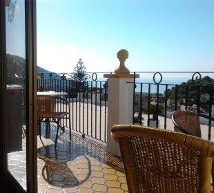Terrasse und Blick TRH Mijas