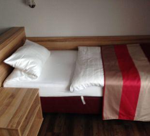 Bett 1 vom DZ Adolph's Gasthaus