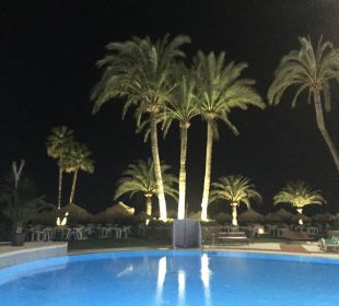 Pool bei Nacht Marinas de Nerja Beach & Spa
