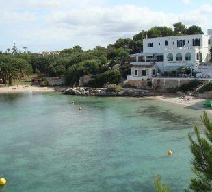 Am grünen Ende der Badebucht Hotel Poseidon Bahia