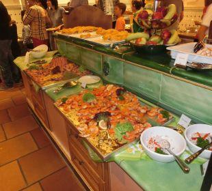 Leckeres Grillbüffet am Samstag Leading Family Hotel & Resort Alpenrose