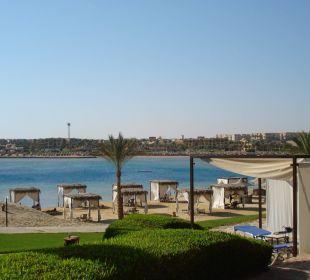 Blick auf die Bucht, von der Terasse aus Hotel Steigenberger Coraya Beach