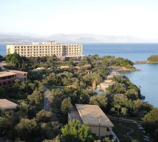Blick von der Bar zum Nachbarhotel Hotel Grecotel Eva Palace